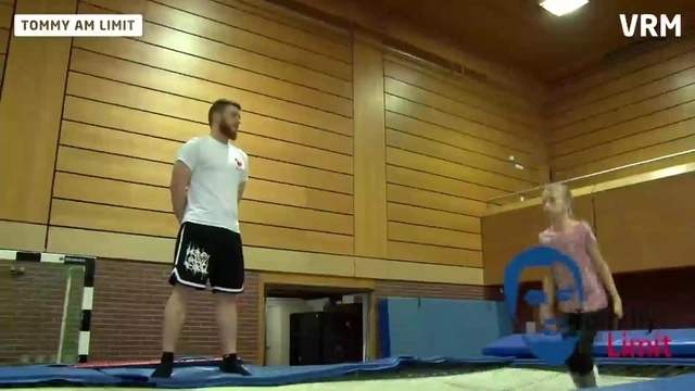 Tommy am Limit: Trampolin