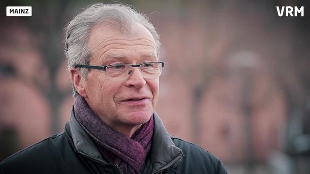 Wortpiratin rot-weiß: Interview mit Volker Baas