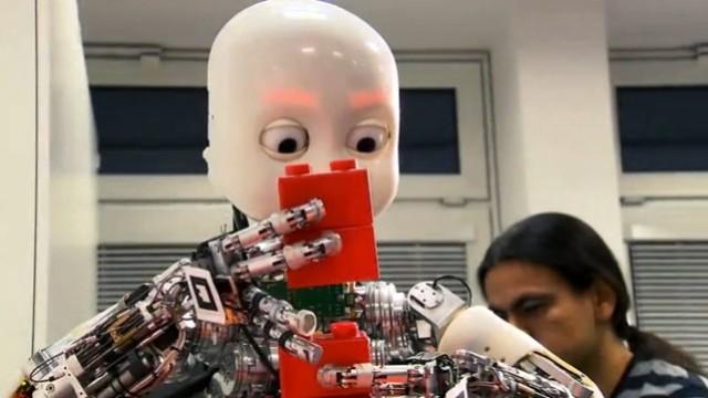 Roboter-Dame Rosi
