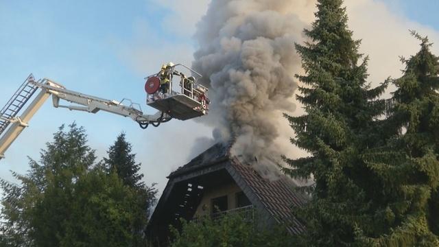 Zwei Menschen kommen bei Wohnhausbrand ums Leben