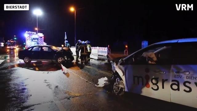 Drei Verletzte bei Unfall der B455 in Wiesbaden