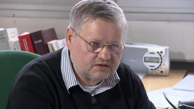 Herr Werner entscheidet über Asyl