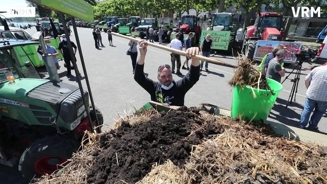 Landwirte demonstrieren in Mainz gegen Agrarpolitik