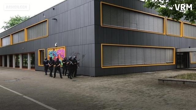 Polizeiübung unter realitätsnahen Bedingungen