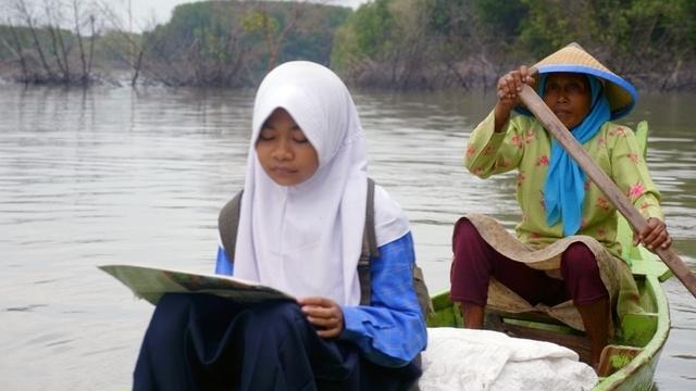 Boot, Rad und Bus: Der mühsamste Schulweg