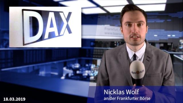 Dax unverändert - Mögliche Bankenfusion im Fokus