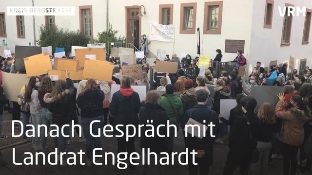 Mahnwache an der Liebfrauenschule Bensheim
