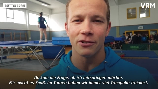 Fabian Hambüchen springt beim TV Büttelborn Trampolin