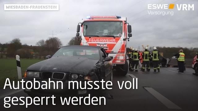 Auto überschlägt sich nach Zusammenstoß auf der A66