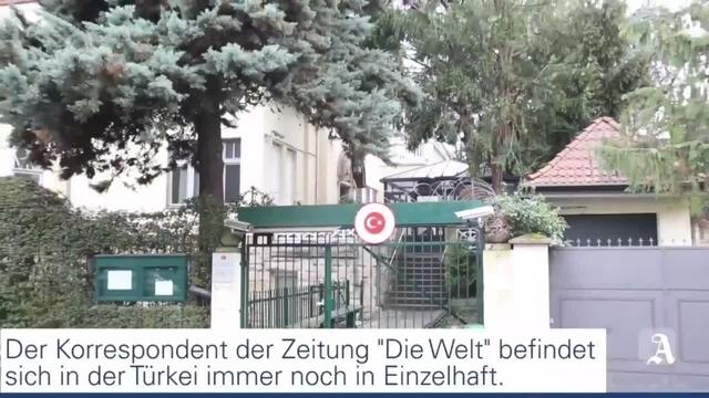Mainz: Mahnwache für Deniz Yücel