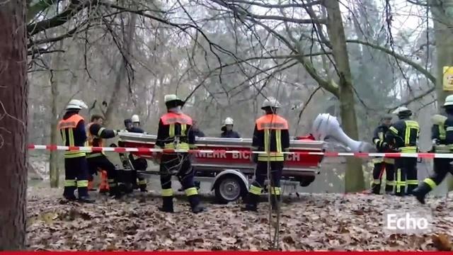 Seeheim-Jugenheim: Schüler bricht auf dünnem Eis ein