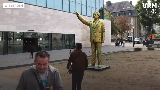 Wiesbaden: Erdogan-Statue in Innenstadt enthüllt