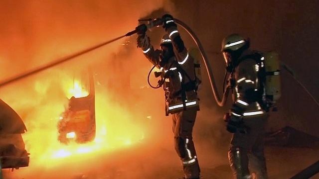 Inferno im Hinterhof