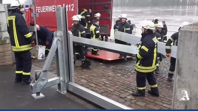 Nierstein: Feuerwehr im Hochwassereinsatz