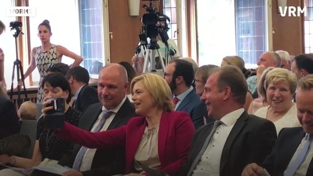Worms: Adolf Kessel als Oberbürgermeister vereidigt