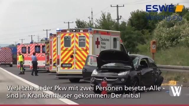 Vier Verletzte nach Auffahrunfall auf A3