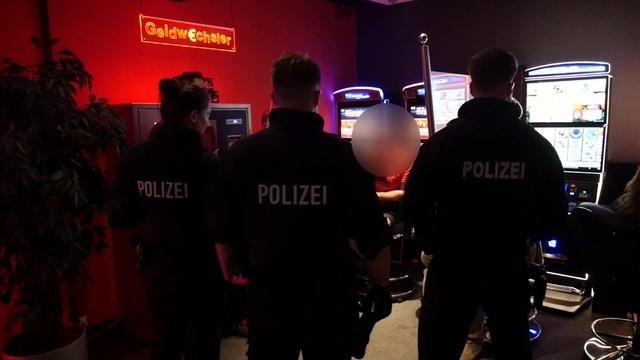 Spielhallen-Razzia: Polizei kontrolliert in Wetzlar