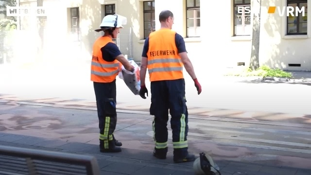 Wiesbaden: Linienbus fängt Feuer