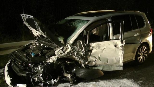 18-Jähriger wird bei Autounfall schwer verletzt