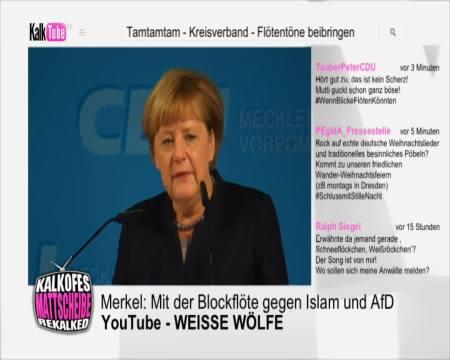 Angela Merkel - Blockflöte für die CDU Weihnachtsfeier