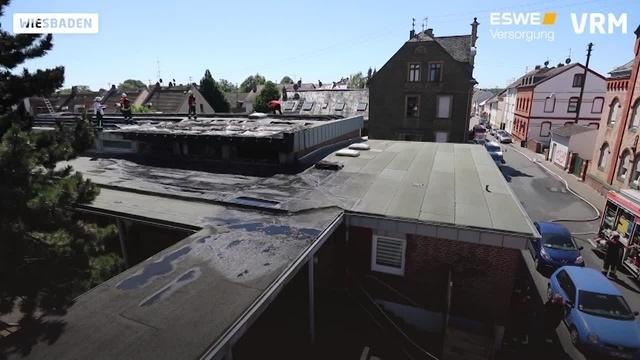 Brand auf dem Dach der Kirche St. Peter und Paul
