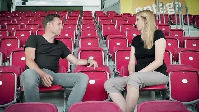 Wortpiratin rot-weiß: Mara Pfeiffer im Gespräch mit Thomas Krücken
