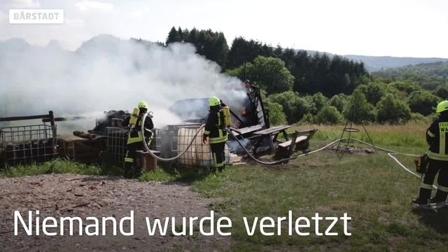 Bauwagen brennt bei Bärstadt aus