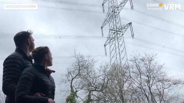 Ultranet: Strommast direkt neben dem Haus